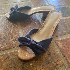 Crown & Ivy Wynnie Knotted Slide Sandal- Navy Blue
